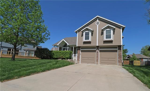 3832 SW Windsong Drive, Lee's Summit, MO 64082 (#2161161) :: Eric Craig Real Estate Team