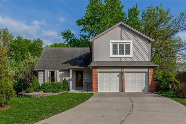 12843 W 106th Street, Overland Park, KS 66215 (#2161177) :: Eric Craig Real Estate Team