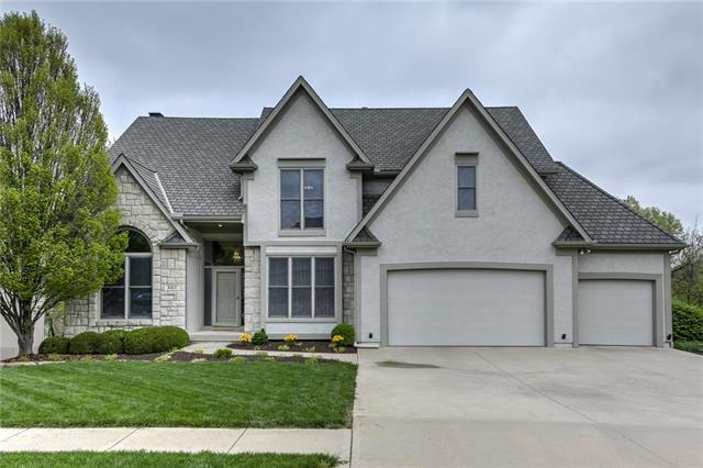 6821 NW Monticello Court, Parkville, MO 64152 (#2161179) :: No Borders Real Estate