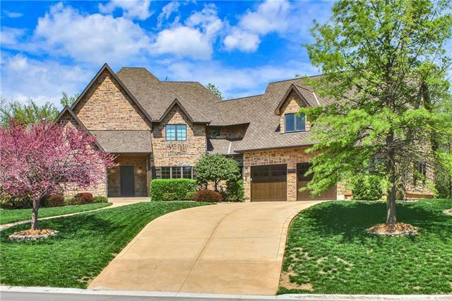 302 NW Rockhill Circle, Lee's Summit, MO 64081 (#2161408) :: House of Couse Group