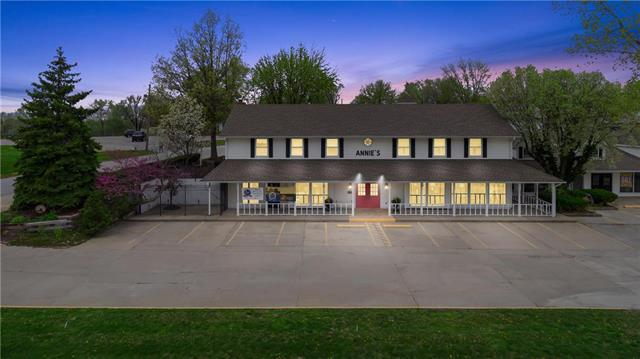 1740 W 69 Highway, Excelsior Springs, MO 64024 (#2161421) :: Clemons Home Team/ReMax Innovations