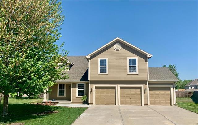 508 N Evergreen Street, Gardner, KS 66030 (#2161489) :: House of Couse Group