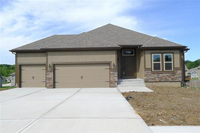 9334 N Ditzler Avenue, Kansas City, MO 64157 (#2161614) :: House of Couse Group