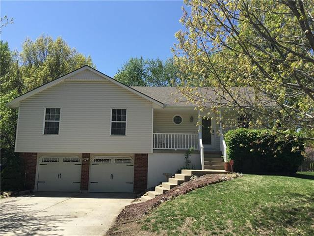 2311 NE 2nd Street, Blue Springs, MO 64055 (#2161767) :: House of Couse Group