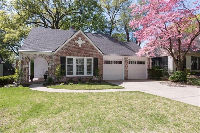 5406 Aberdeen Road, Fairway, KS 66205 (#2161813) :: House of Couse Group
