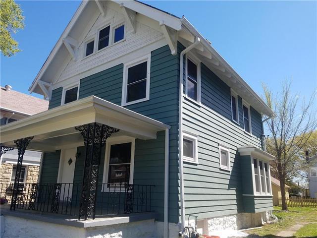 3327 Bellefontaine Avenue, Kansas City, MO 64128 (#2162125) :: Clemons Home Team/ReMax Innovations