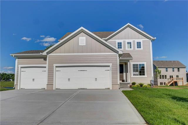 103 SE Ayden Lane, Blue Springs, MO 64064 (#2162206) :: House of Couse Group
