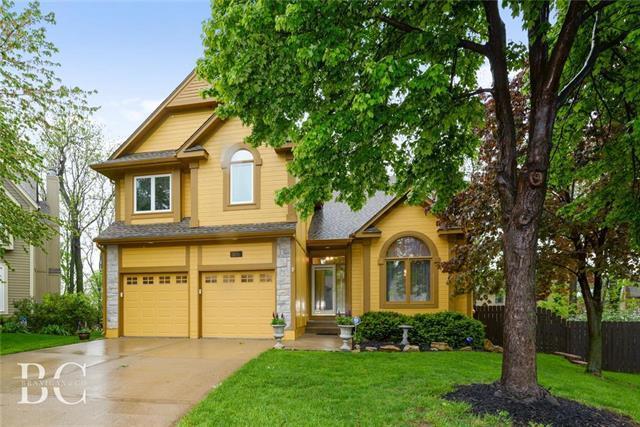 12711 S Hagan Street, Olathe, KS 66062 (#2162228) :: House of Couse Group