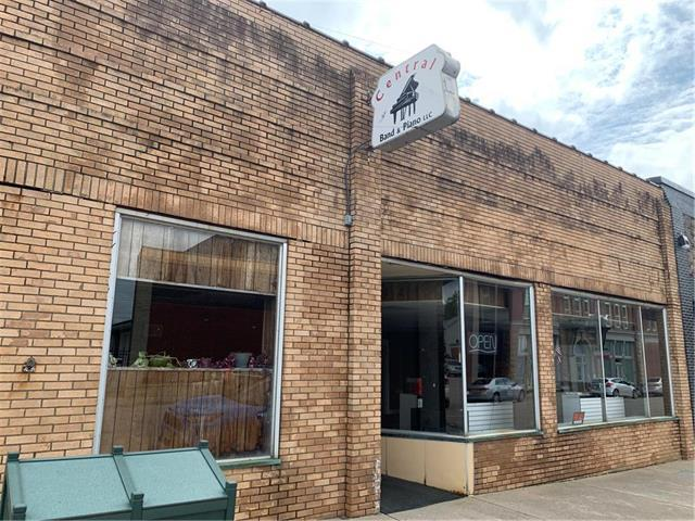 110 E Market Street, Warrensburg, MO 64093 (#2162384) :: The Gunselman Team