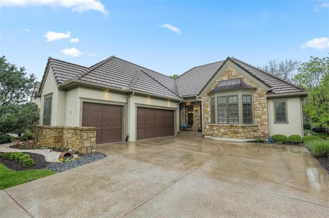2846 W 137th Terrace, Leawood, KS 66224 (#2162387) :: Eric Craig Real Estate Team