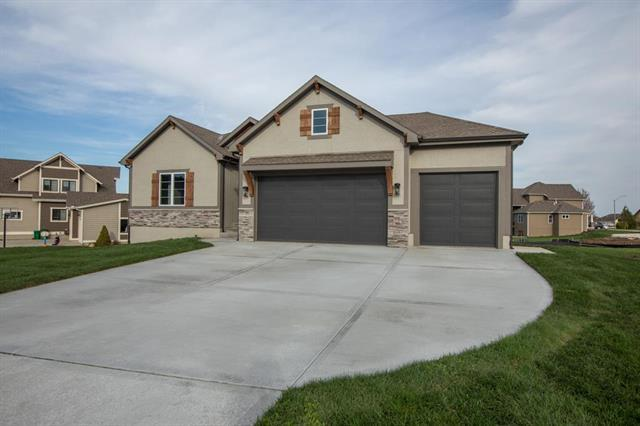 20910 Larkspur Drive, Peculiar, MO 64078 (#2162431) :: House of Couse Group