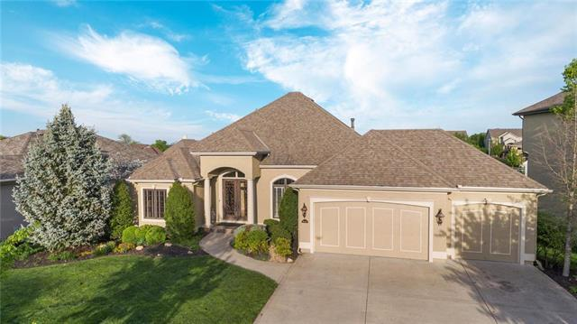 10611 N Michigan Avenue, Kansas City, MO 64155 (#2162547) :: House of Couse Group