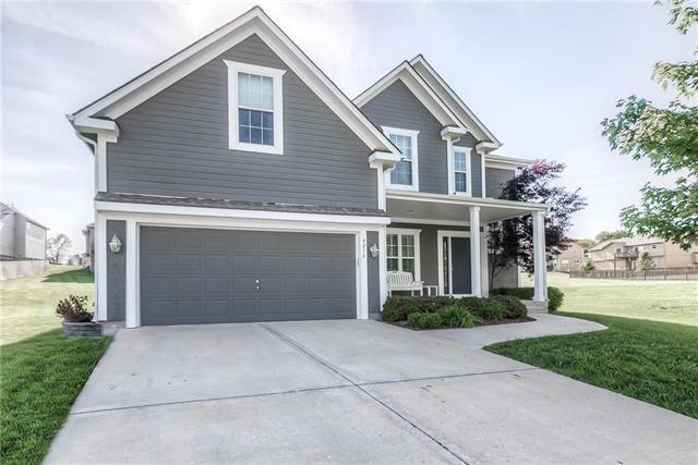 4214 N 121st Terrace, Kansas City, KS 66109 (#2162550) :: House of Couse Group