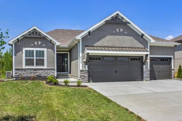 908 SE Wood Ridge Court, Blue Springs, MO 64014 (#2162571) :: House of Couse Group
