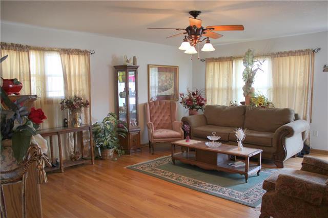 3020 E 75th Street, Kansas City, MO 64132 (#2162629) :: Eric Craig Real Estate Team