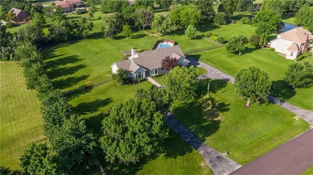 11695 W 176TH Terrace, Overland Park, KS 66221 (#2162702) :: No Borders Real Estate