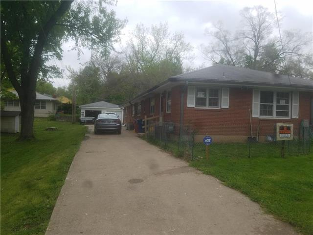 11312 E 19TH ST SOUTH Street, Independence, MO 64052 (#2162722) :: House of Couse Group