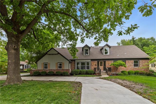4600 W 83rd Street, Prairie Village, KS 66208 (#2162724) :: The Shannon Lyon Group - ReeceNichols