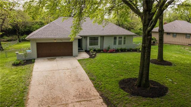 10515 Sagamore Road, Leawood, KS 66206 (#2162730) :: House of Couse Group