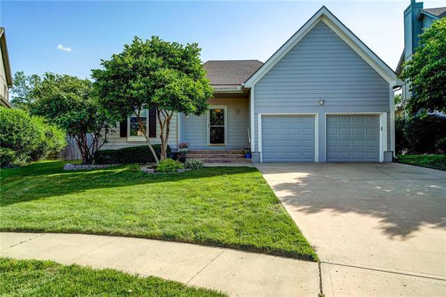 12926 Slater Street, Overland Park, KS 66213 (#2162796) :: No Borders Real Estate