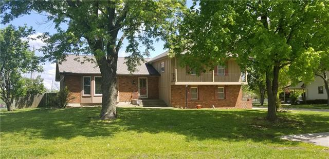 1900 Continental Avenue, Harrisonville, MO 64701 (#2162846) :: House of Couse Group