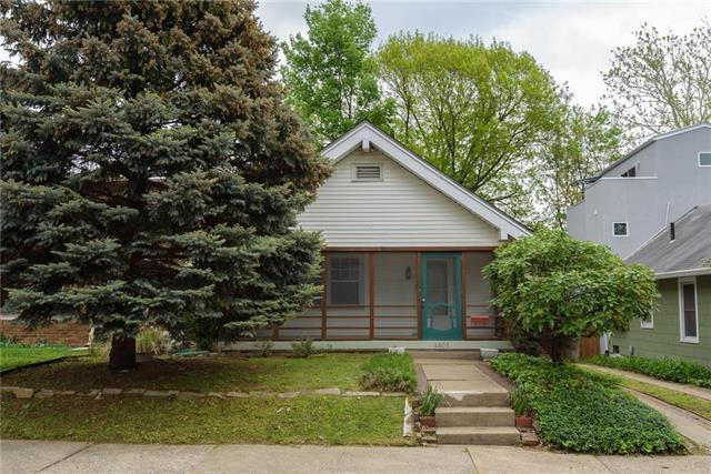 4805 Mercier Street, Kansas City, MO 64112 (#2162874) :: House of Couse Group