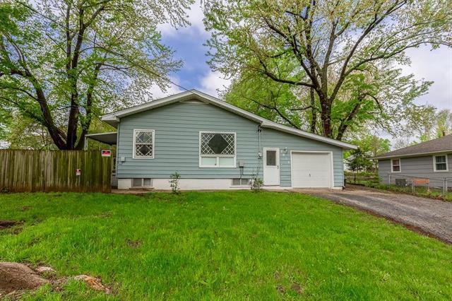 3016 N 75 Terrace, Kansas City, KS 66109 (#2162910) :: House of Couse Group
