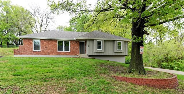 104 NW 59 Place, Gladstone, MO 64118 (#2162923) :: House of Couse Group