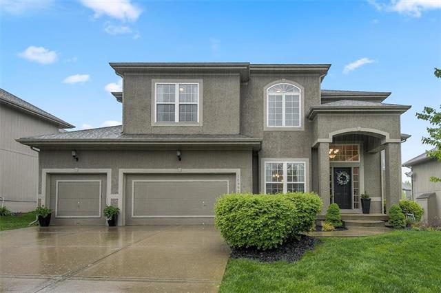 10992 S Barth Road, Olathe, KS 66061 (#2163004) :: House of Couse Group