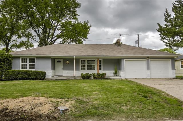 416 E 78th Terrace, Kansas City, MO 64131 (#2163012) :: House of Couse Group