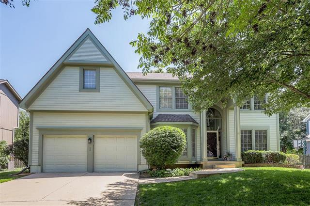 5115 W 157 Place, Overland Park, KS 66224 (#2163117) :: House of Couse Group