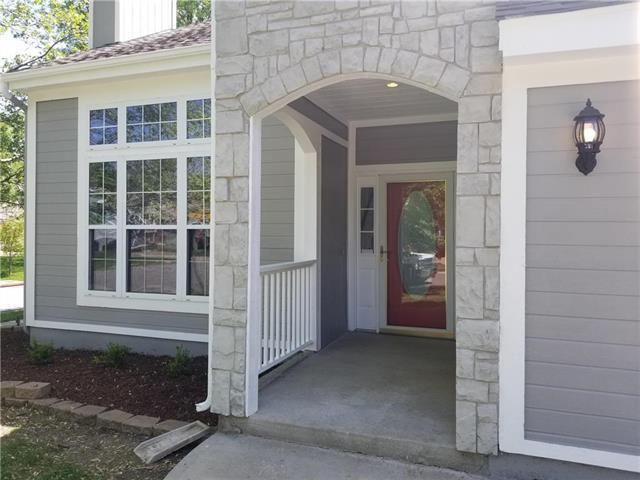 18157 W 155th Terrace, Olathe, KS 66062 (#2163133) :: House of Couse Group