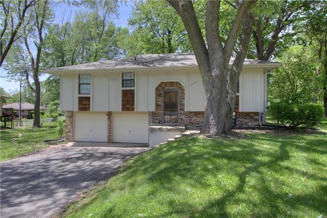 11124 N Harrison Street, Kansas City, MO 64155 (#2163239) :: Dani Beyer Real Estate