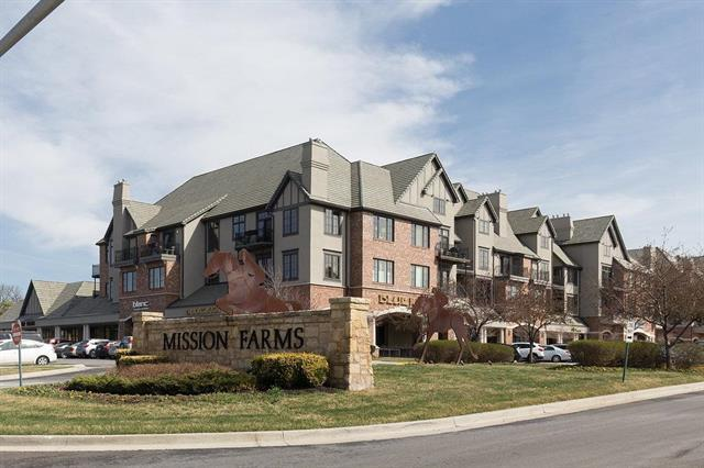 10511 Mission Road #310, Leawood, KS 66206 (#2163286) :: House of Couse Group