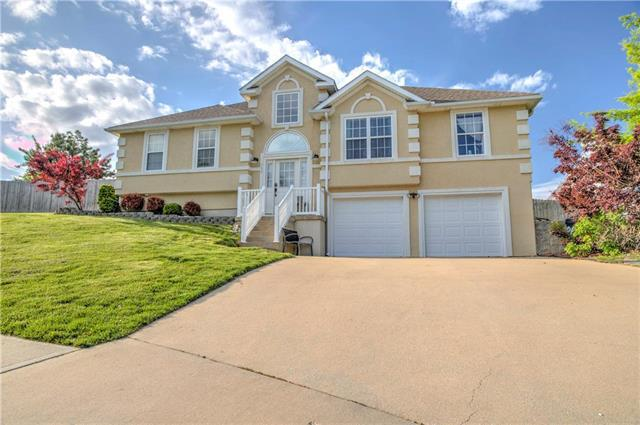 703 Deerfield Court, Warrensburg, MO 64093 (#2163300) :: House of Couse Group