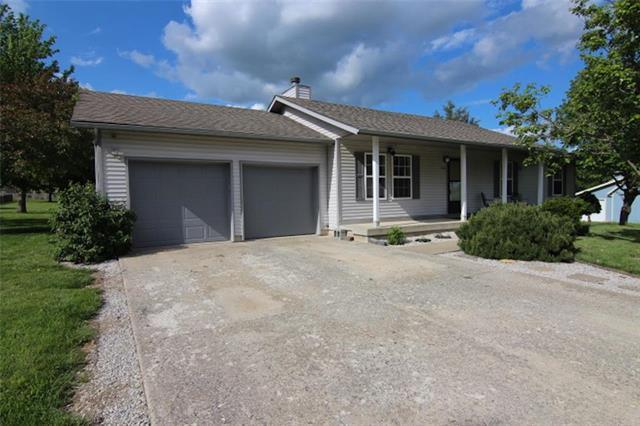 226 SW 163rd Street, Lee's Summit, MO 64082 (#2163329) :: House of Couse Group