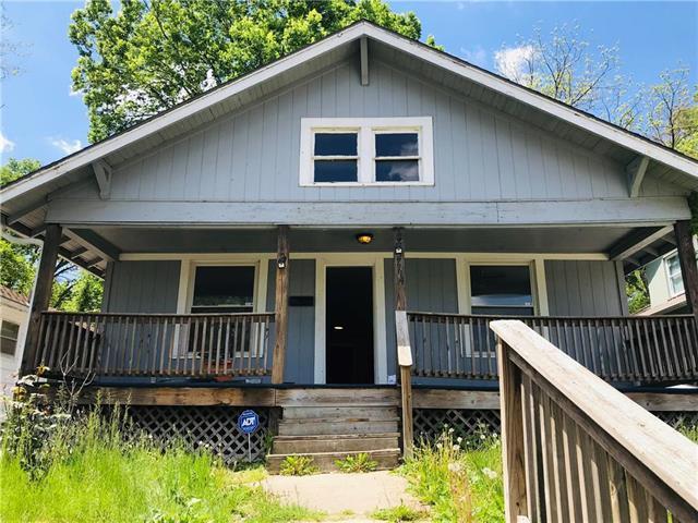 7114 Wabash Avenue, Kansas City, MO 64132 (#2163392) :: House of Couse Group