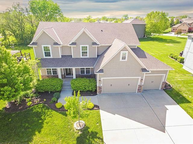 1424 Cross Creek Drive, Raymore, MO 64083 (#2163474) :: No Borders Real Estate