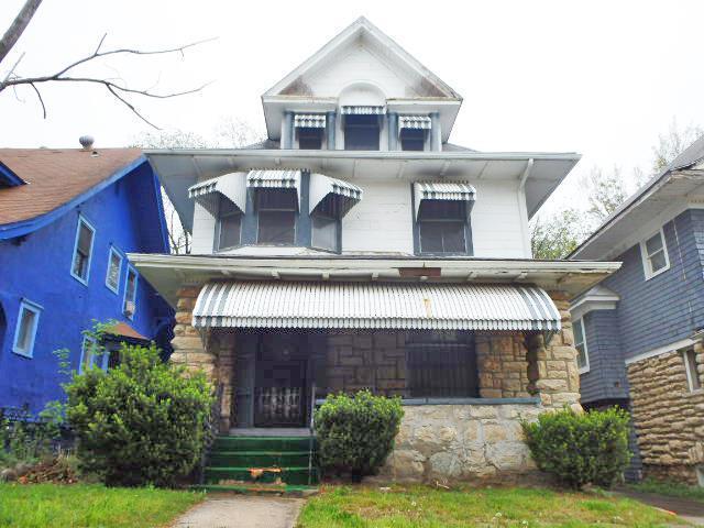 4025 Prospect Avenue, Kansas City, MO 64130 (#2163576) :: House of Couse Group