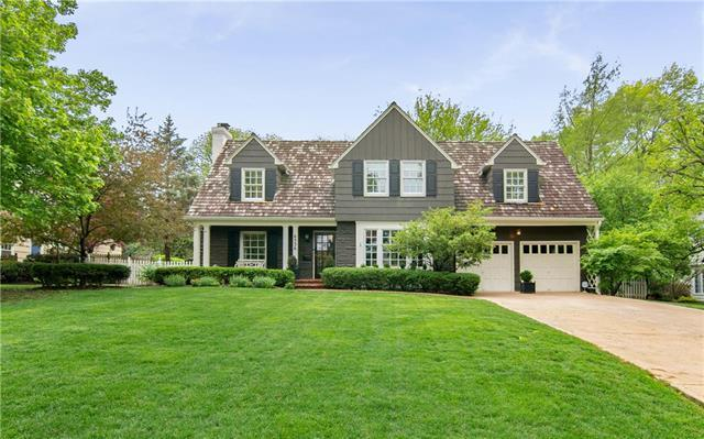 6536 Overbrook Road, Mission Hills, KS 66208 (#2163590) :: The Shannon Lyon Group - ReeceNichols