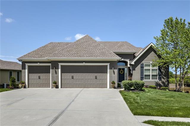 900 NW 94th Street, Kansas City, MO 64155 (#2163723) :: No Borders Real Estate