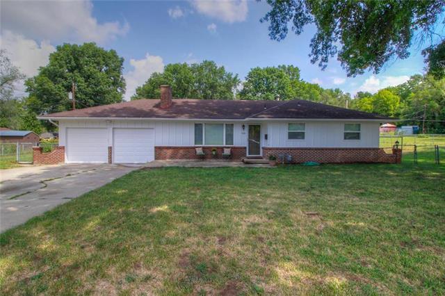 5238 Dixie Court, Kansas City, KS 66106 (#2163938) :: House of Couse Group