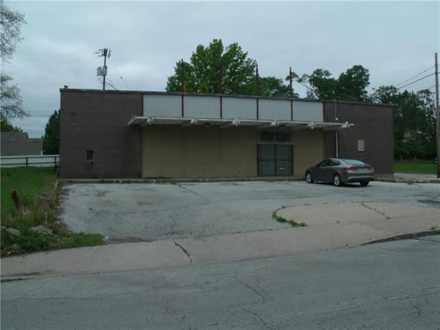 3700 Brooklyn Avenue, Kansas City, MO 64109 (#2163971) :: Dani Beyer Real Estate