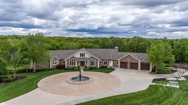 15506 Metro Avenue, Bonner Springs, KS 66012 (#2163990) :: Kansas City Homes