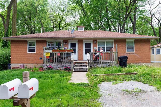 1300 S Home Avenue, Independence, MO 64052 (#2164010) :: Eric Craig Real Estate Team