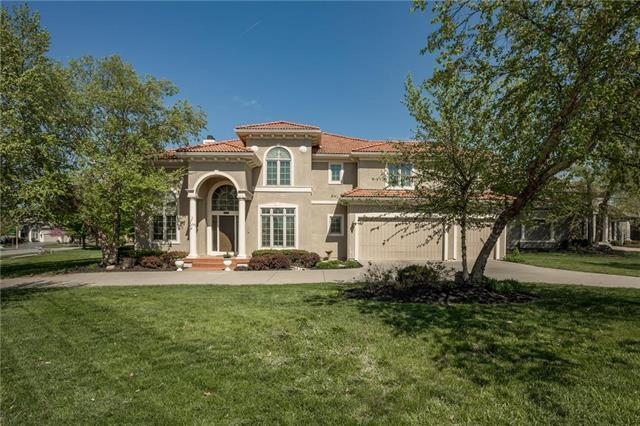 8938 Quail Ridge Lane, Lenexa, KS 66220 (#2164034) :: The Shannon Lyon Group - ReeceNichols