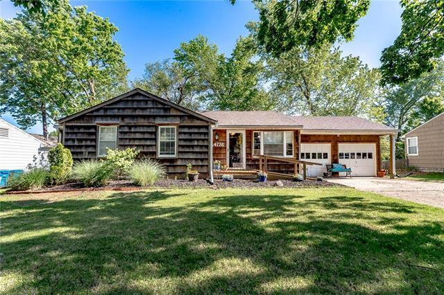 4726 W 78th Terrace, Prairie Village, KS 66208 (#2164059) :: The Shannon Lyon Group - ReeceNichols