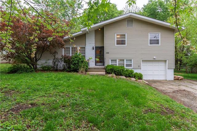100 E 127TH Street, Kansas City, MO 64145 (#2164079) :: House of Couse Group