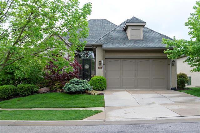 8843 W 143RD Terrace, Overland Park, KS 66221 (#2164172) :: House of Couse Group