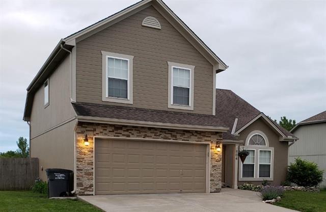 804 Tall Grass Drive, Pleasant Hill, MO 64080 (#2164242) :: Team Real Estate